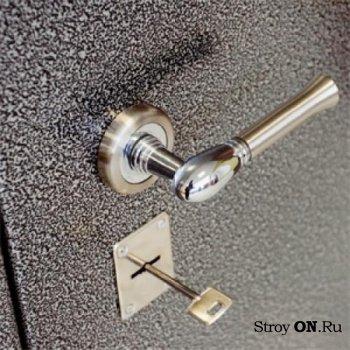 Входные бронированные двери – советы по выбору